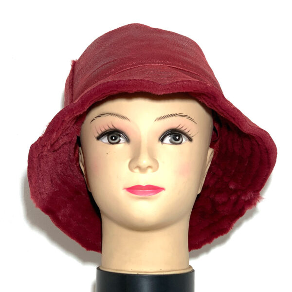 Cappello a cloche ecomontone rosso rubino - Boutique Viggiani - Shopping online - Abbigliamento donna casual e cerimonia a Pisticci