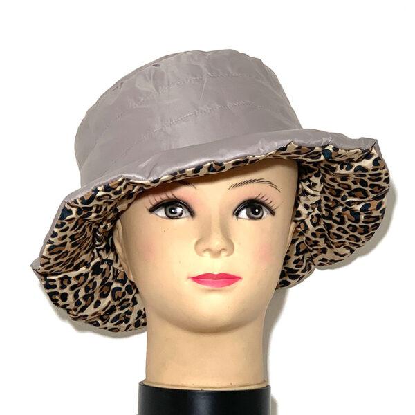 Cappello a cloche impermeabile double face leopardato - Boutique Viggiani - Shopping online - Abbigliamento donna casual e cerimonia a Pisticci